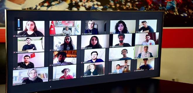 Malatya Büyükşehir Belediye Başkanı Selahattin Gürkan, video konferansla gençlerle buluştu